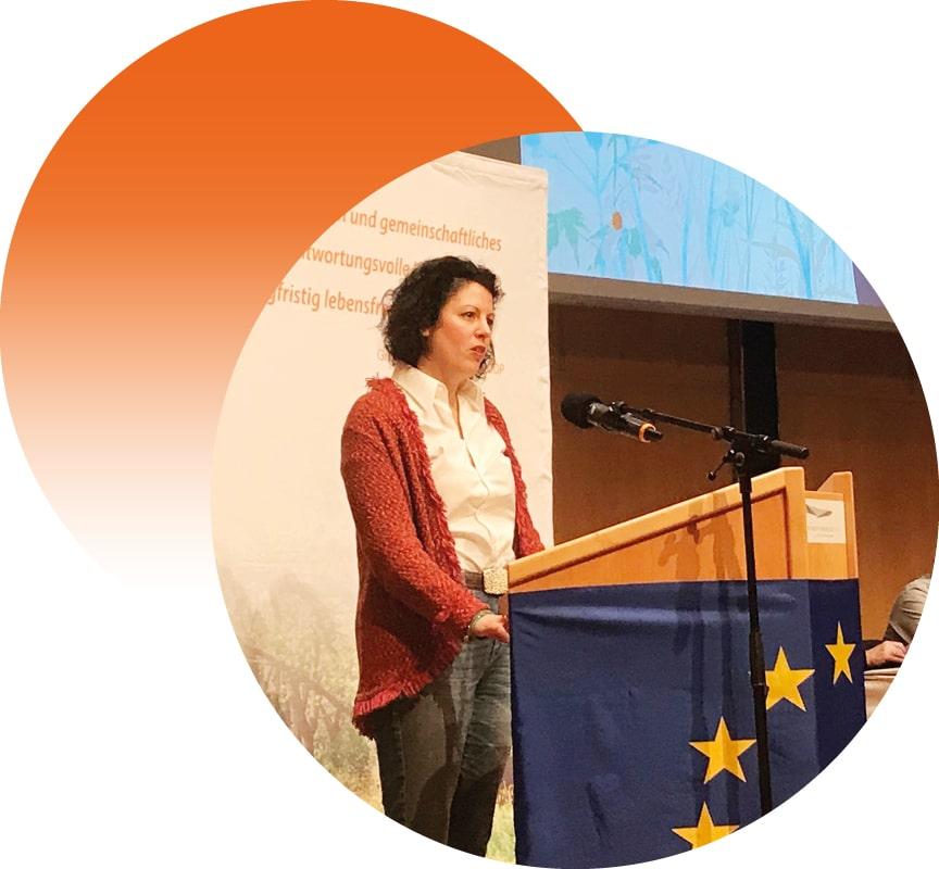 Manuela Ripa hält Rede auf